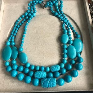 Jewelry - Vintage turquoise three strand necklace